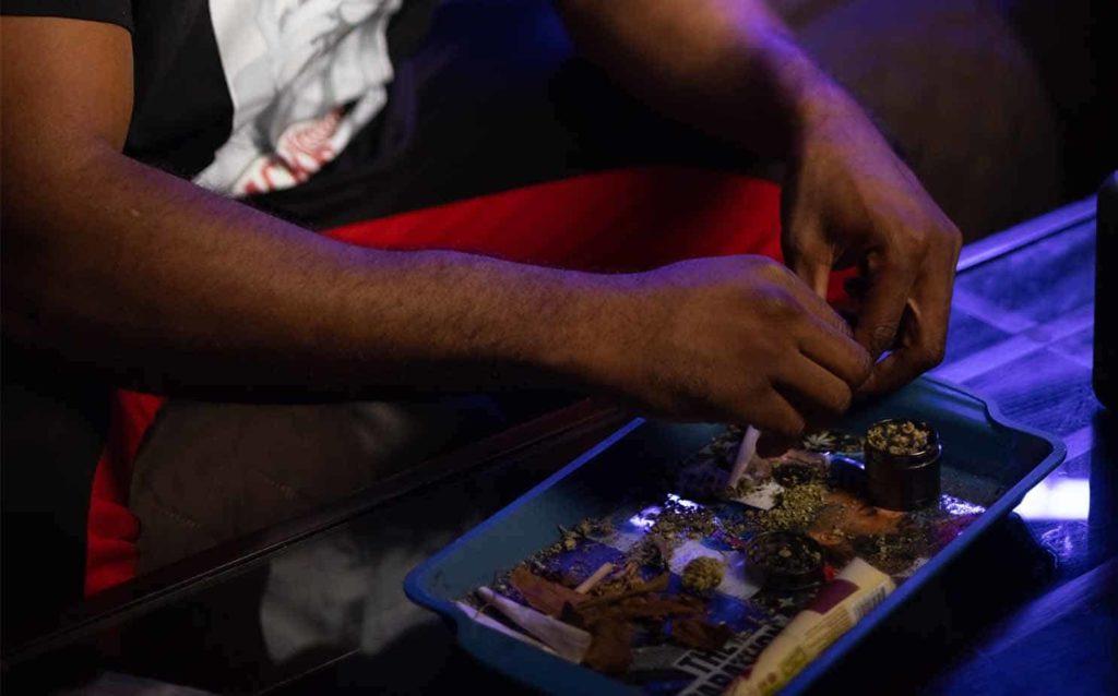 How-to-Accessorise-Your-Smoke-Setup